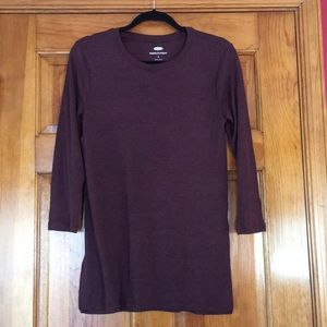Maroon 3/4 sleeve ribbed tunic tee
